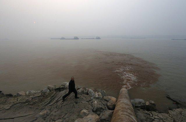 Число отменных из-за смога рейсов в аэропорту Пекина возросло до 180