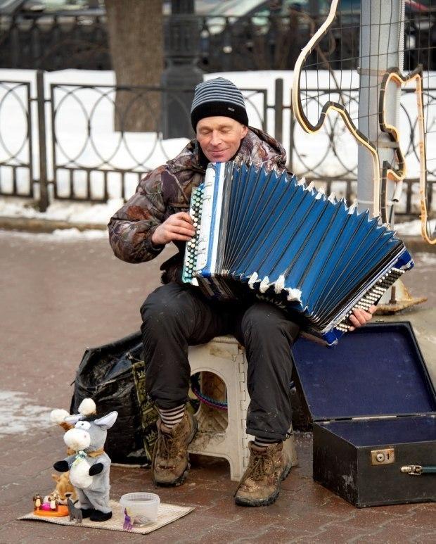 Ни в одной развитой стране полиция не борется с уличными музыкантами и не штрафует их.