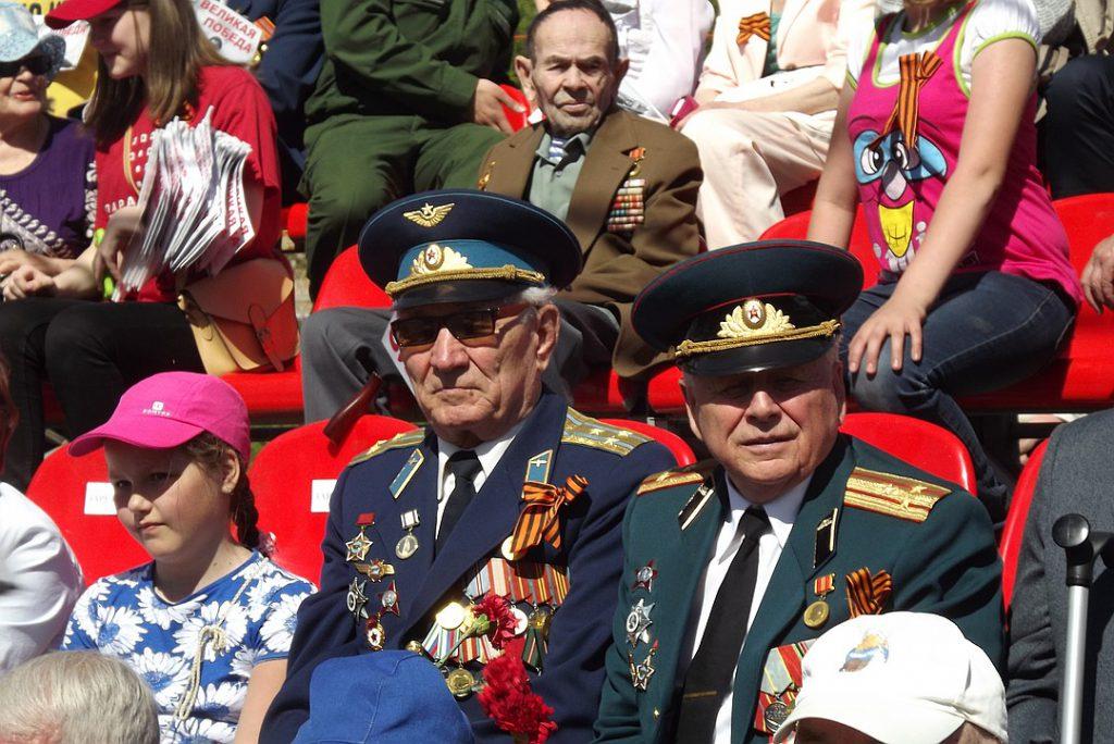 За пределами Российской Федерации праздник остался в некоторых соседних странах, а также в странах-союзниках: Казахстан, для примера